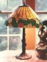 "stained glass lamp 20"" diameter"